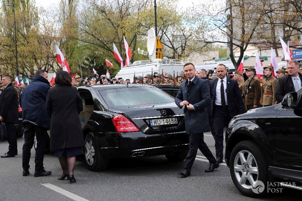 Dlaczego TVN24 nie transmitowało pogrzebu Łupaszki?