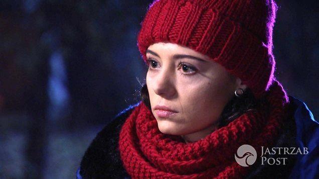 M jak miłość odcinek 1214, z kim będzie Iza (Adriana Kalska)? Kuratorka zewie z Arturem (Tomasz Ciachorowski) dla Marcina (Mikołaj Roznerski)