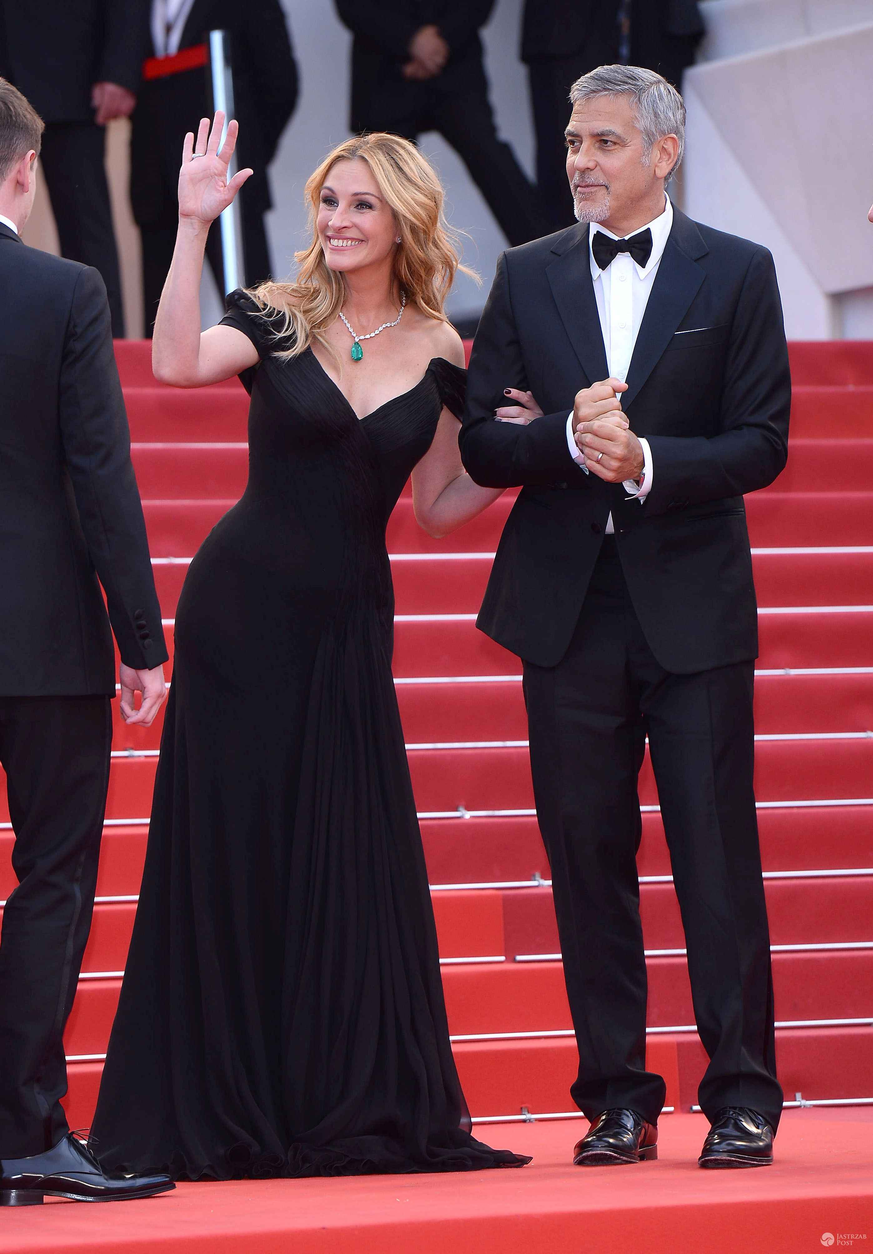 "Julia Roberts (suknia: Armani Prive, biżuteria: Chopard) i George Clooney, premiera ""Money Monster"", festiwal w Cannes 2016 (fot. ONS)"