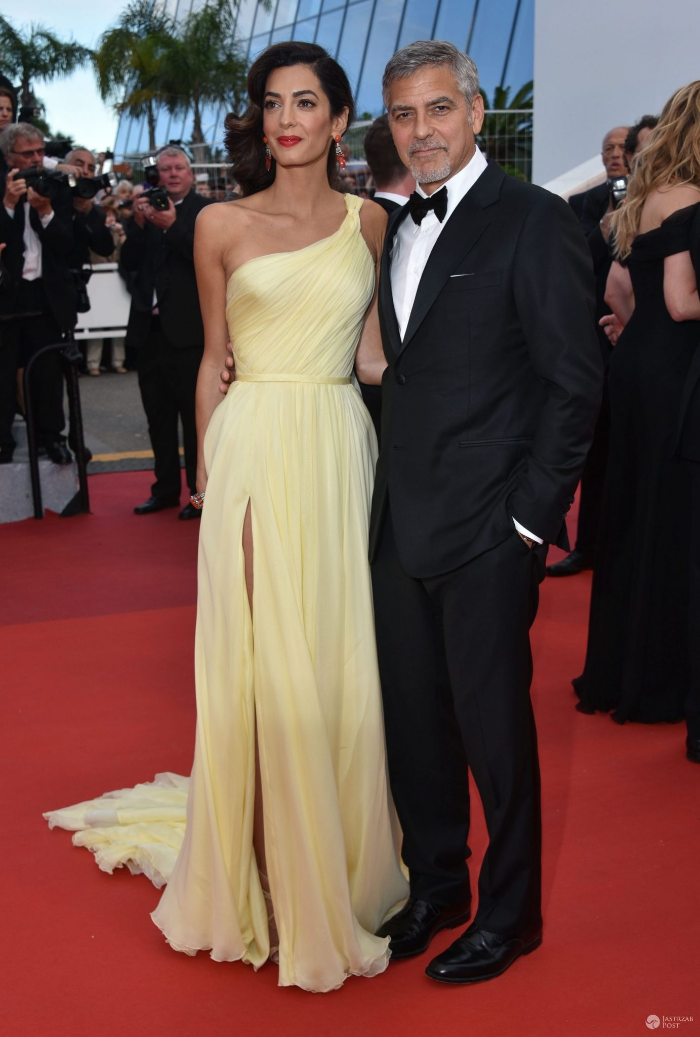 "Amal Clooney i George Clooney, premiera filmu ""Money Monster"", festiwal w Cannes 2016 (fot. ONS)"