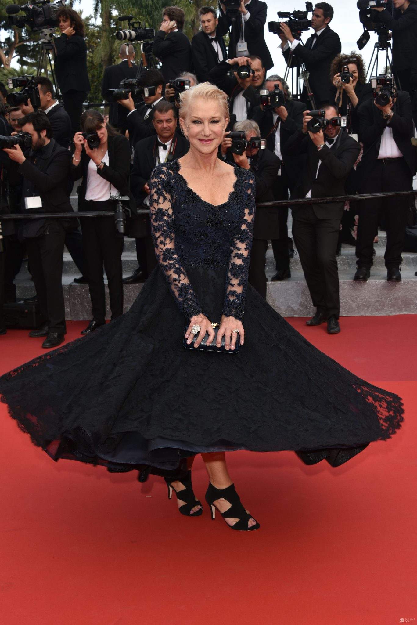Cannes 2016 - Helen Mirren upadła na czerwonym dywanie