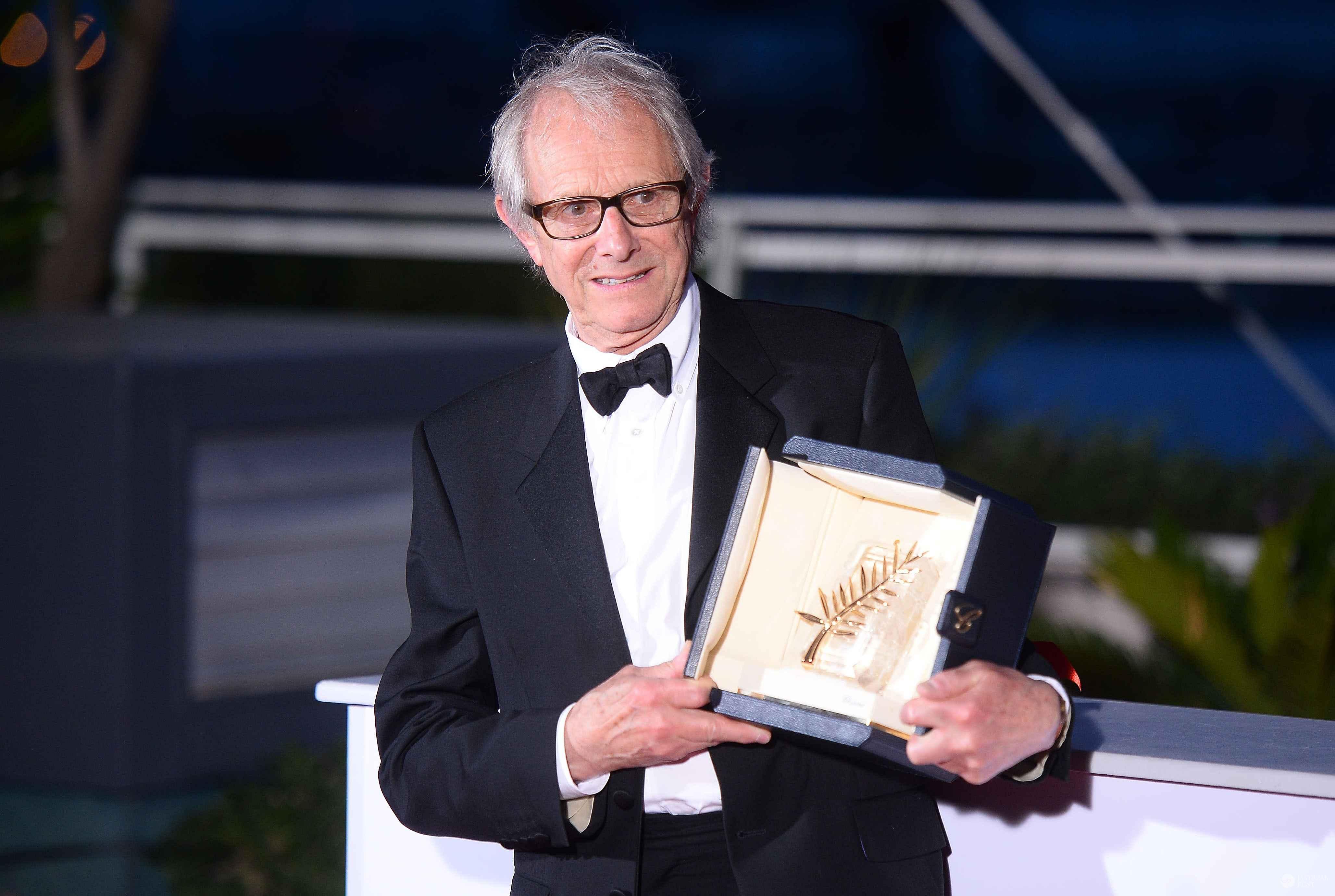 """Brytyjski reżyser Ken Loach ze Złotą Palmą dla najlepszego filmu roku - """"Ja, Daniel Blake"""" - na 69. festiwalu w Cannes 2016 (fot. ONS)"""
