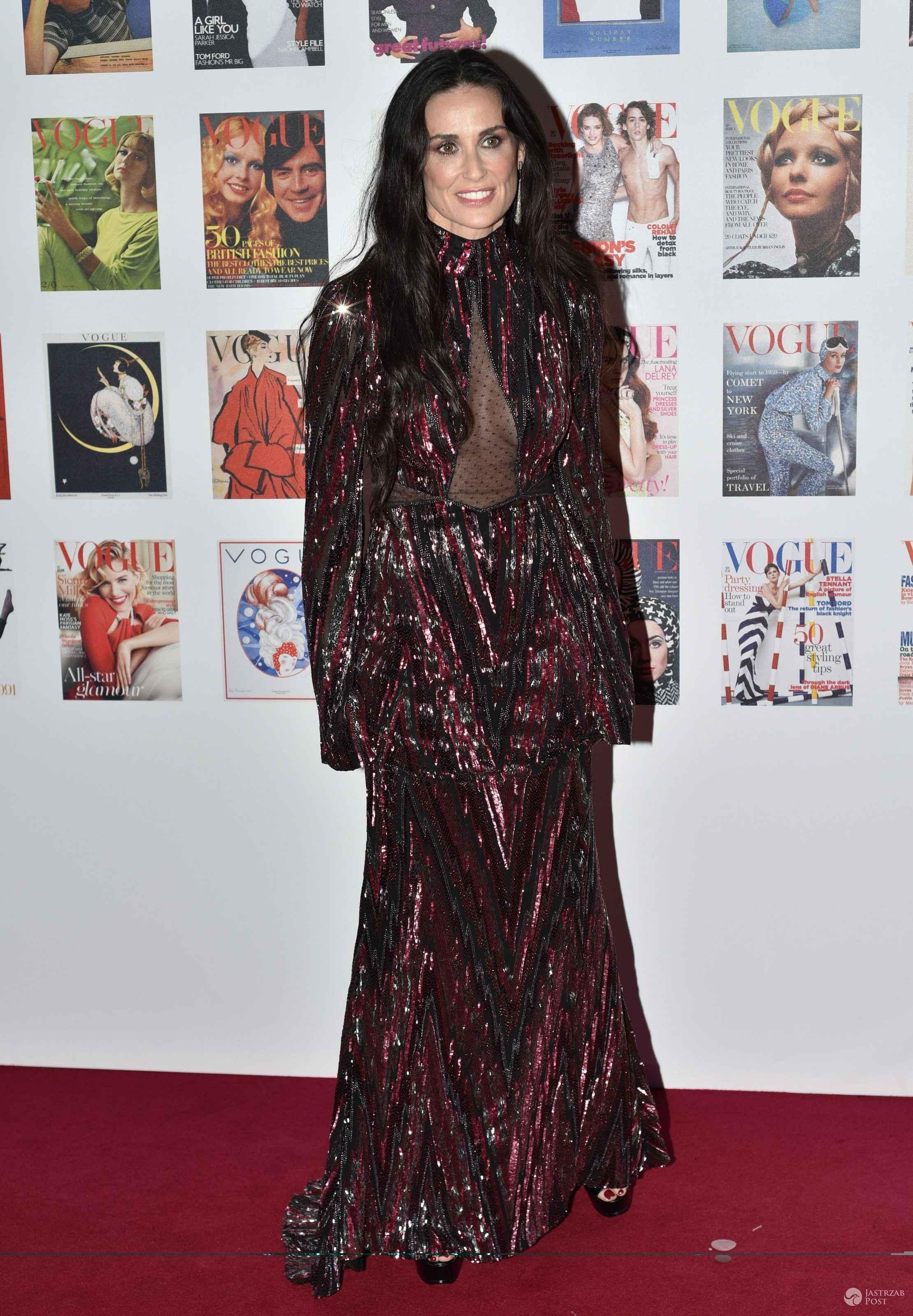 """Suknia: Roberto Cavalli. Demi Moore, gala z okazji 100 lat brytyjskiej edycji """"Vogue"""" (fot. ONS)"""