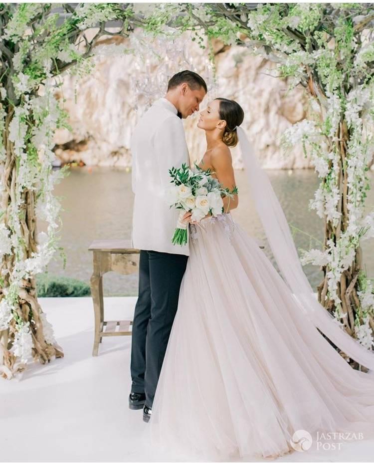 Zdjęcia ze ślubu Mariny Łuczenko i Wojciecha Szczęsnego