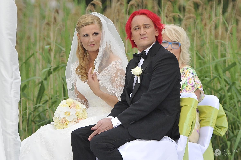 Suknia ślubna: Marta Grycan. Dominika Tajner i Michał Wiśniewski. Ślub w 2012 r. (fot. AKPA)