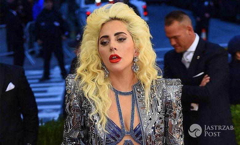 Lady Gaga bez majtek na MET Gala 2016