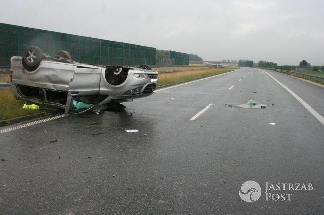 Samochód Skaldów po wypadku (źródło: KMP Włocławek)