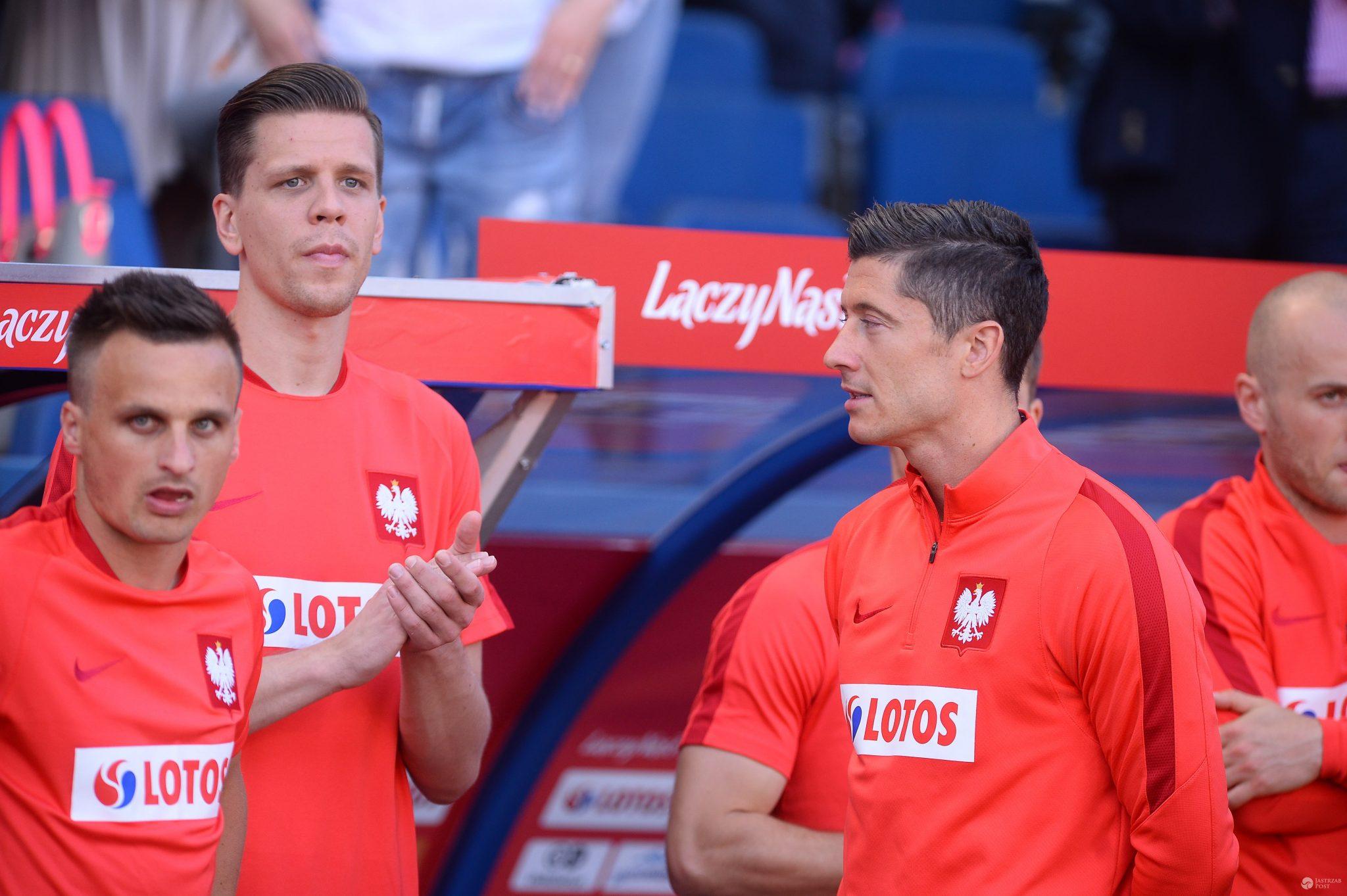 Wojciech Szczęsny i Robert Lewandowski, mecz Polska - Litwa 2016
