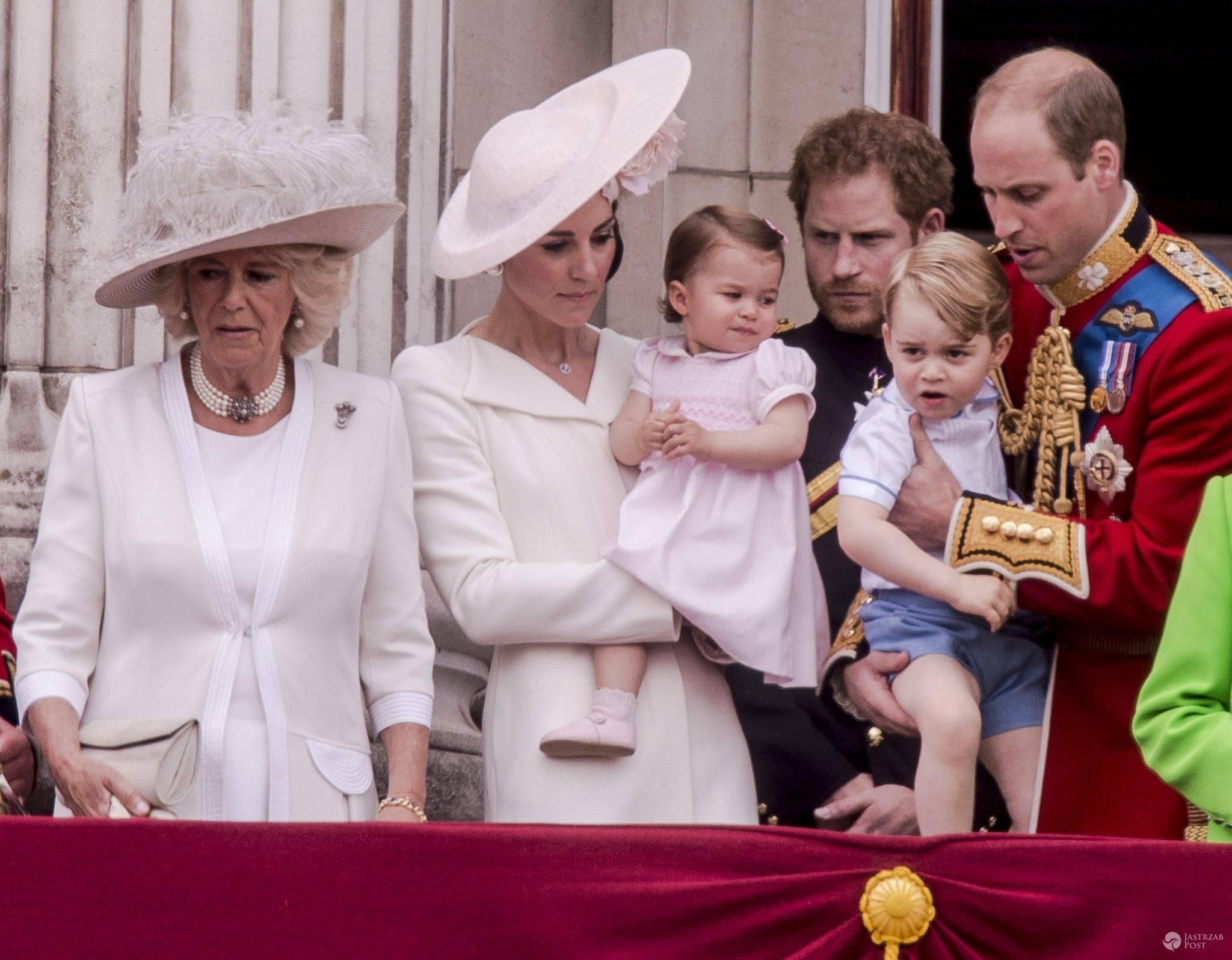 Księżna Camilla, księżna Kate, księżniczka Charlotte, książę Harry, książę George, książę William (fot. ONS)