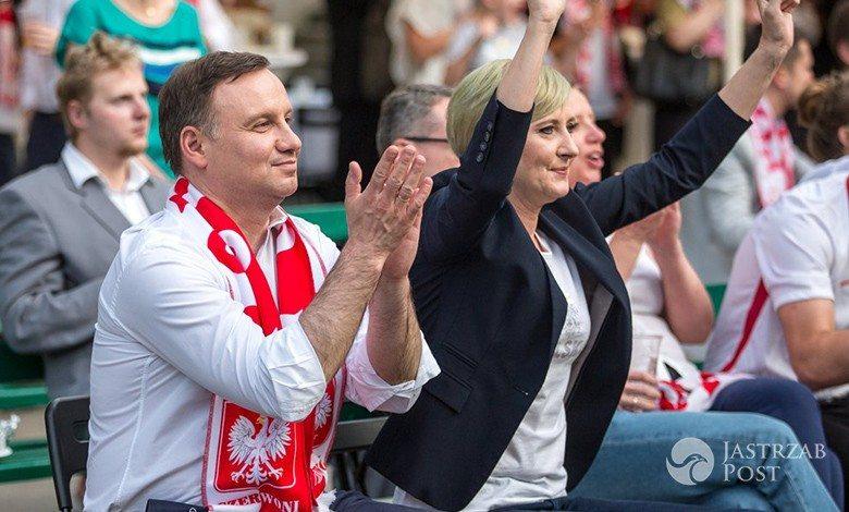 Andrzej Duda i Agata Duda kibicują na EURO 2016
