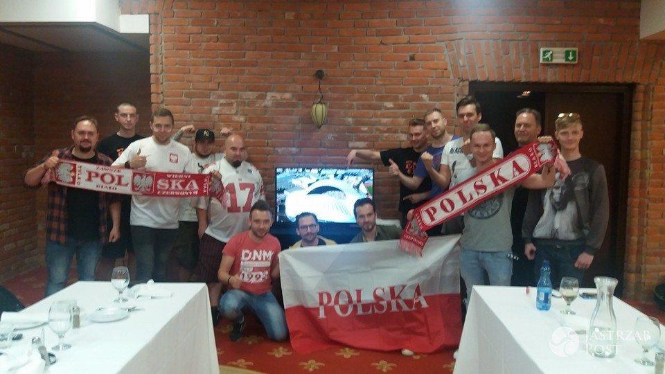 Enej kibicuje Polsce w meczu Polska-Ukraina