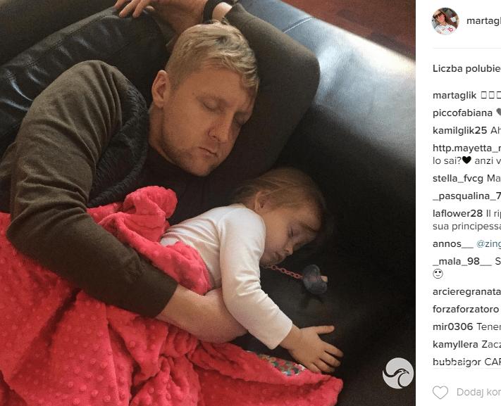 """Zdjęcie (8) Jakim ojcem jest Kamil Glik? Cała prawda o jego rodzinie pierwszy raz wyszła na jaw! """"Na początku bał się wszystkiego"""""""