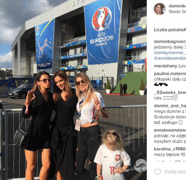 Anna Lewandowska, Sara Boruc i Dominika Grosicka na meczu Polska-Szwajcaria na EURO 2016