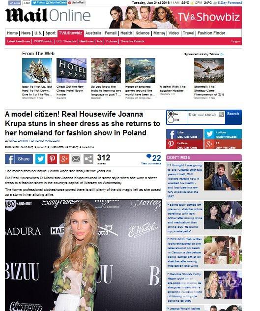 Daily Mail o stylizacji Joanny Krupy z pokazu Bizuu jesień-zima 2016/2017 (screen: Dailymail.co.uk)