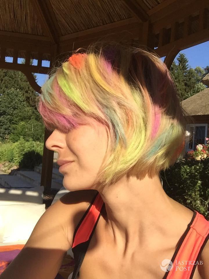 Nowa fryzura Edyty Pazury. Zdjęcia w tęczowych włosach