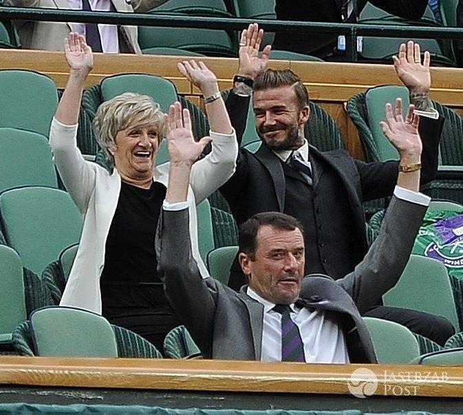 David Beckham i jego mama Sandra Georgina West na Wimbledonie (fot. ONS)