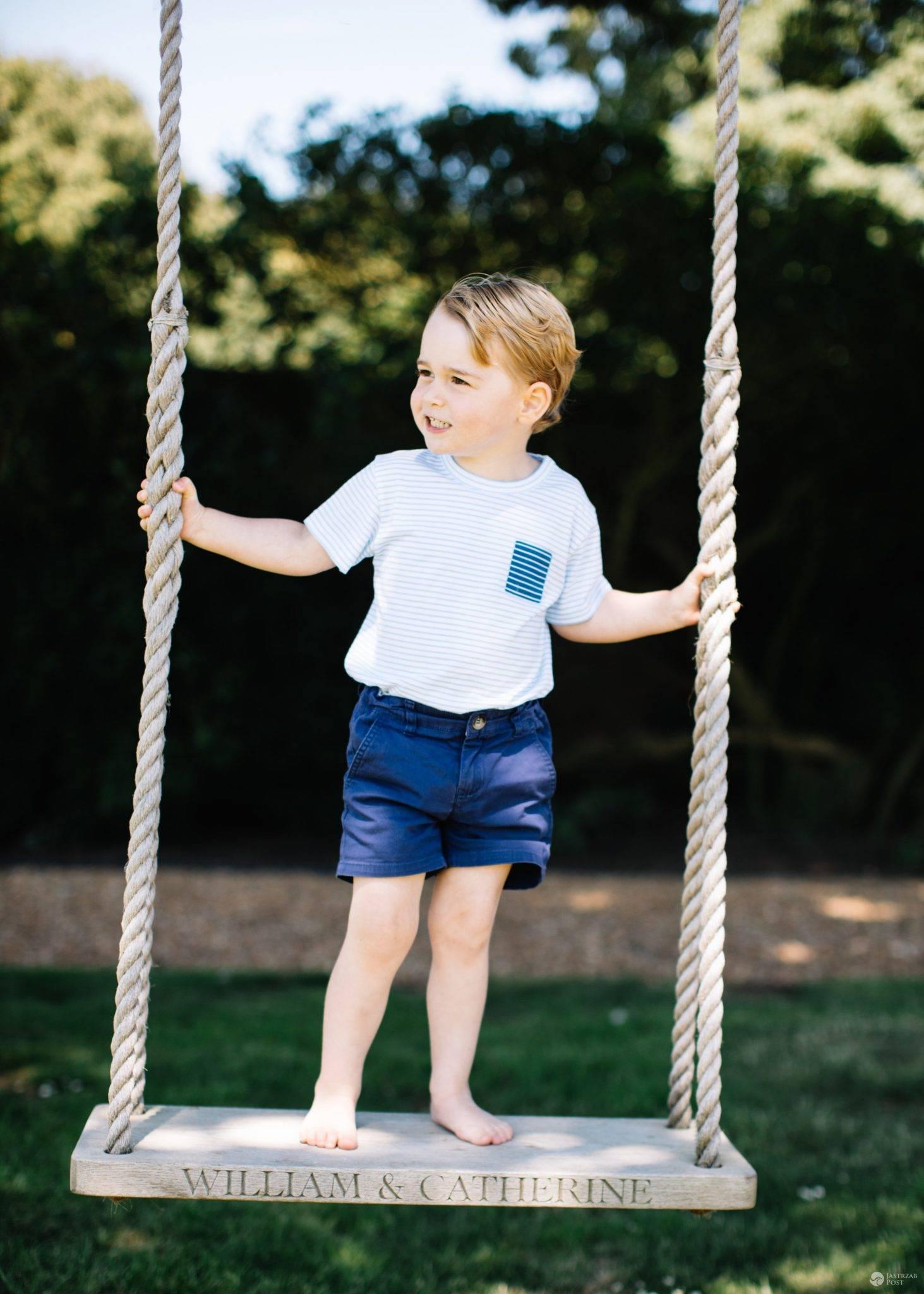 Książę George ma 3 lata! Nowe zdjęcia synowi Kate i Williama wykonał Matt Porteous (fot. ONS)