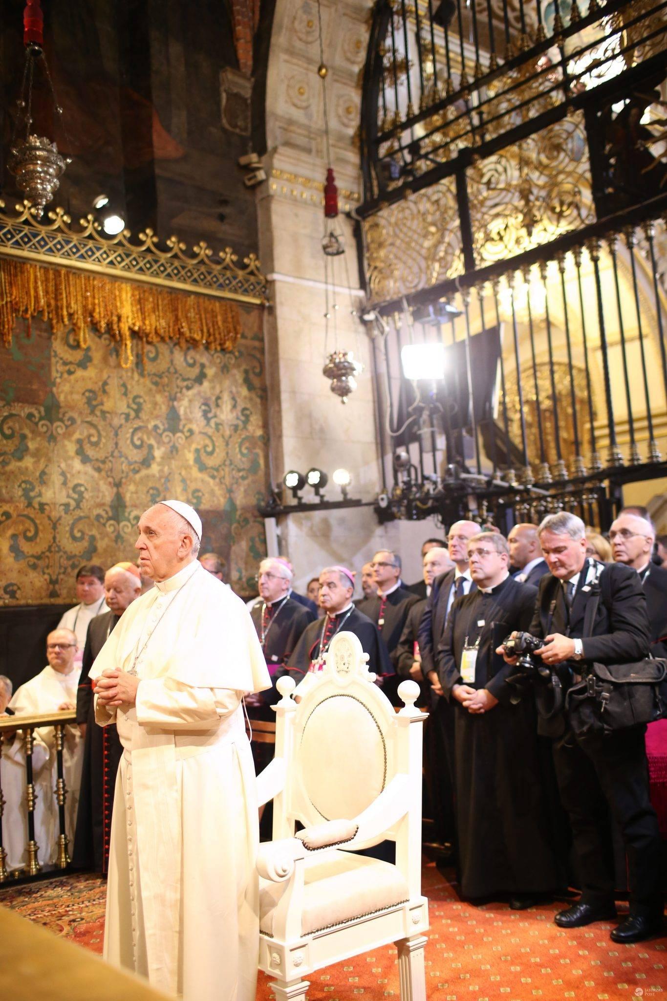 Papież Franciszek odwiedził chorego kardynała