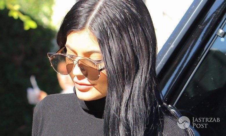 Kylie Jenner przesadziła z powiększaniem ost
