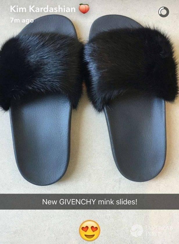 Klapki Givenchy Kim Kardashian (fot. Snapchat)