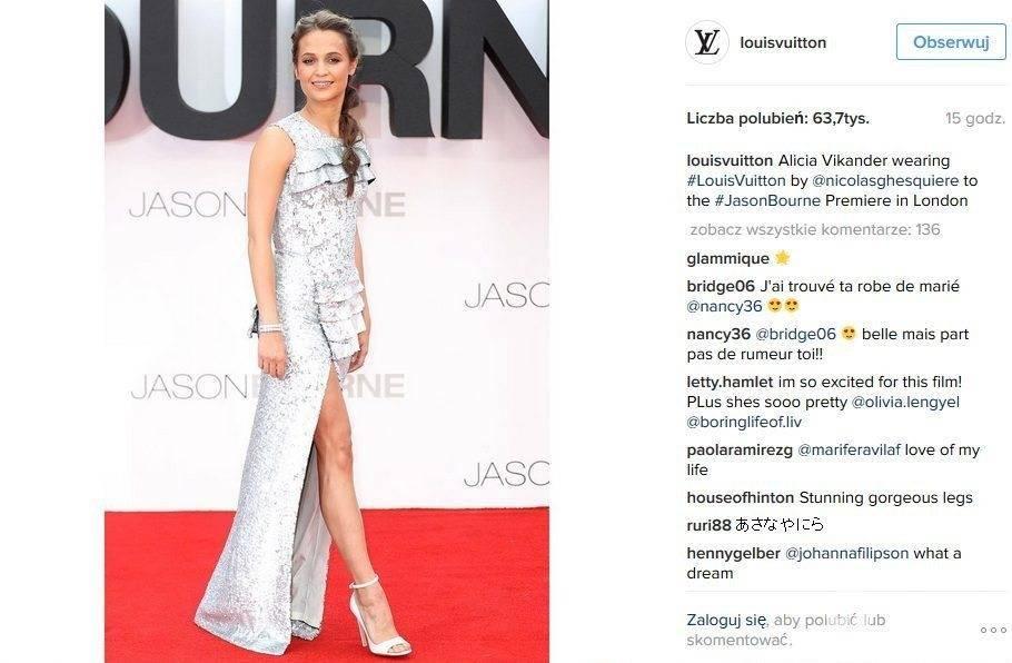 """Kreacja: Louis Vuitton. Alicia Vikander na premierze filmu """"Jason Bourne"""" w Londynie"""