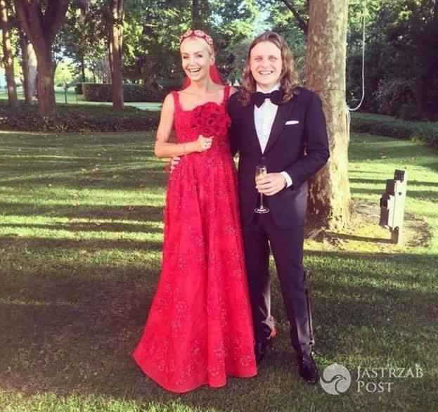 Agnieszka Szulim w czerwonej sukni ślubnej