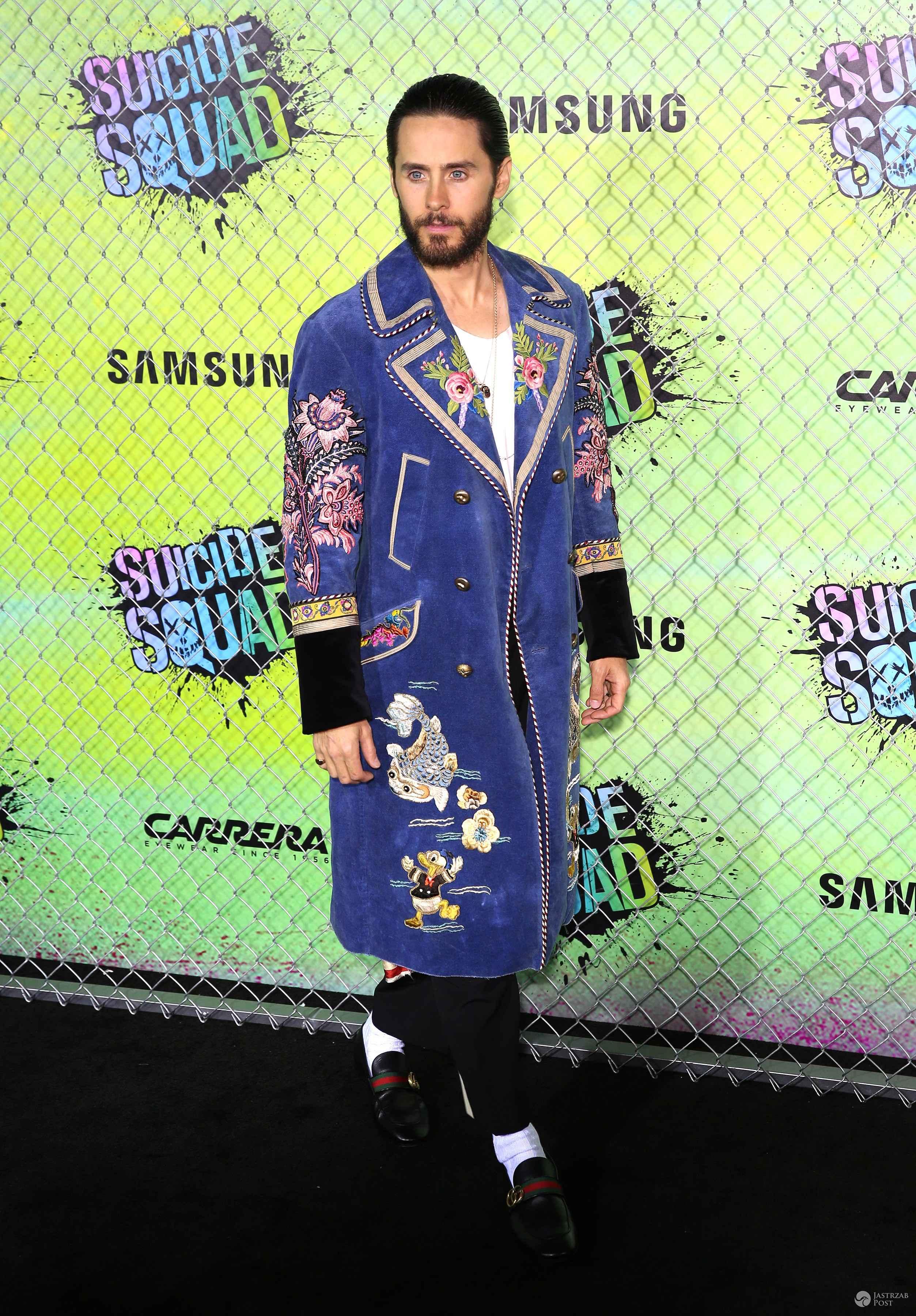 """Płaszcz: Gucci. Jared Leto, premiera filmu """"Legion samobójców"""" w Nowym Jorku (fot. ONS)"""