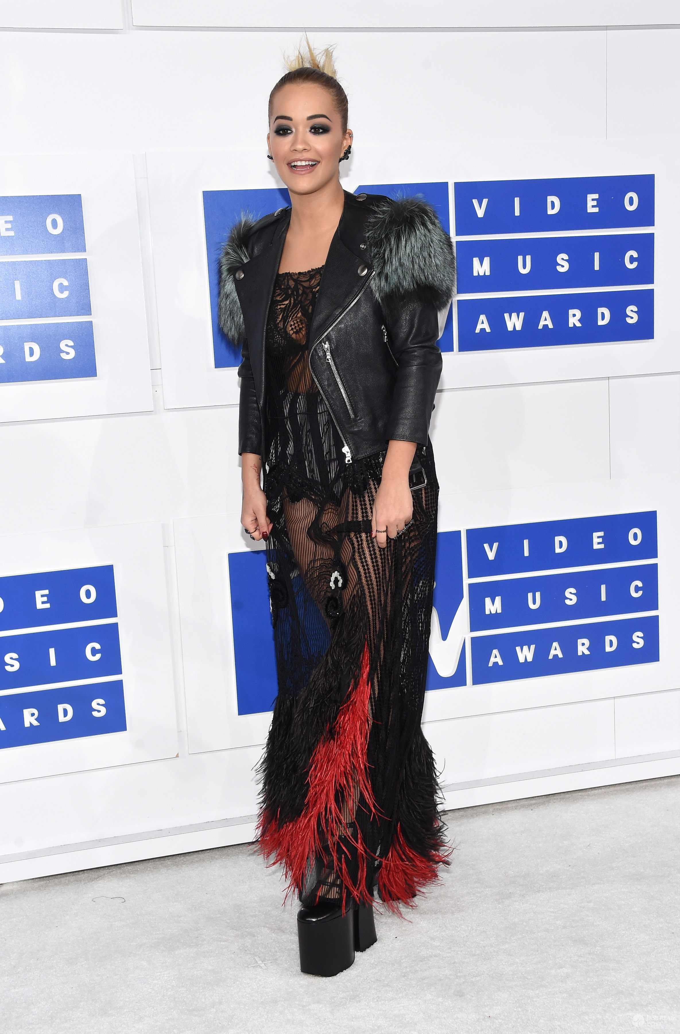 Rita Ora - MTV Video Music Awards 2016