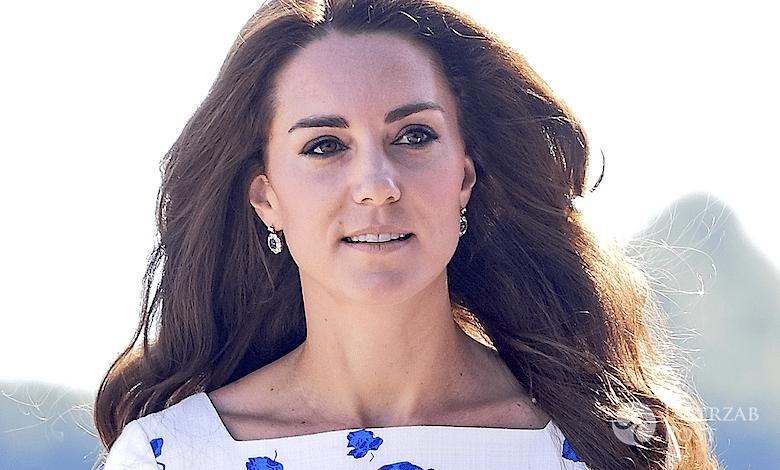 Księżna Kate w białej sukience w kwiaty