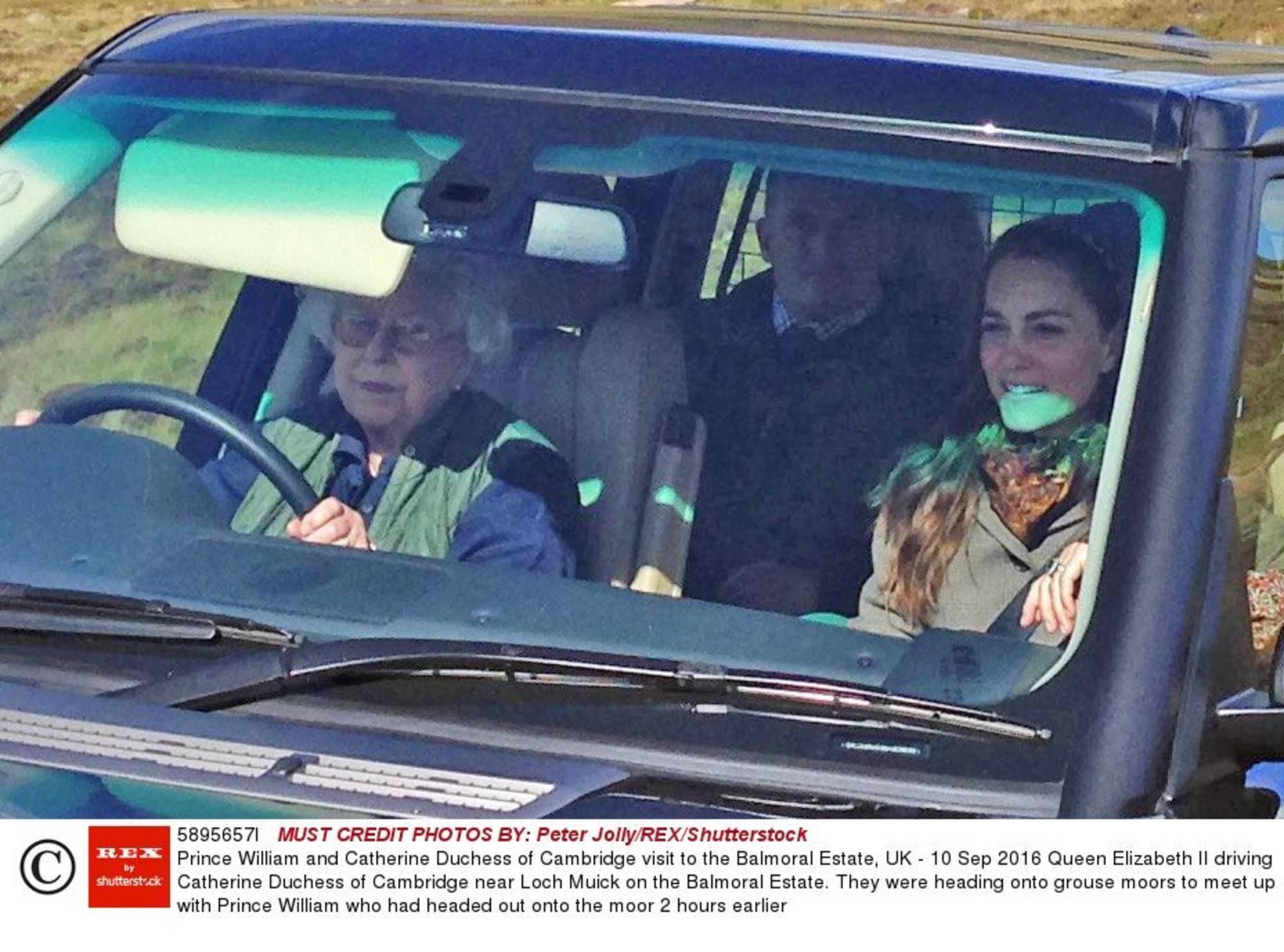 książę William, królowa elżbieta, księżna kate
