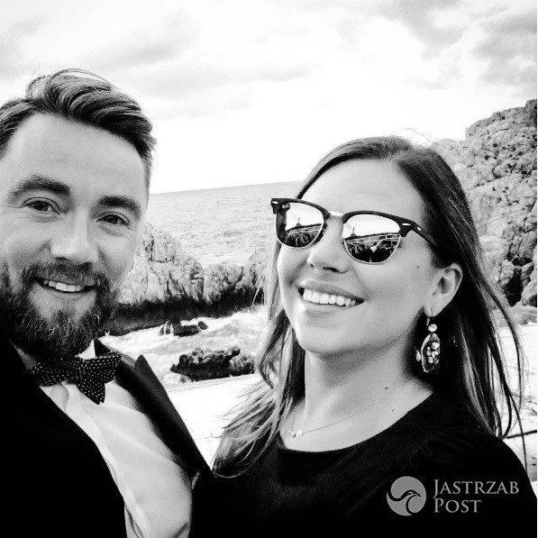 Aleksandra Kwaśniewska z mężem na weselu przyjaciół