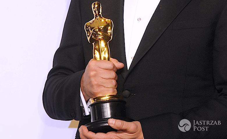 Leonardo DiCaprio z Oscarem Marlona Brando