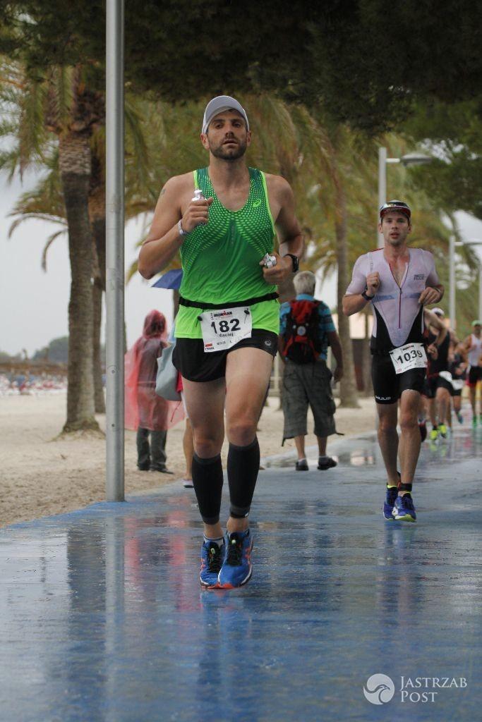 Maciej Dowbor podczas triathlonu na Majorce 2016
