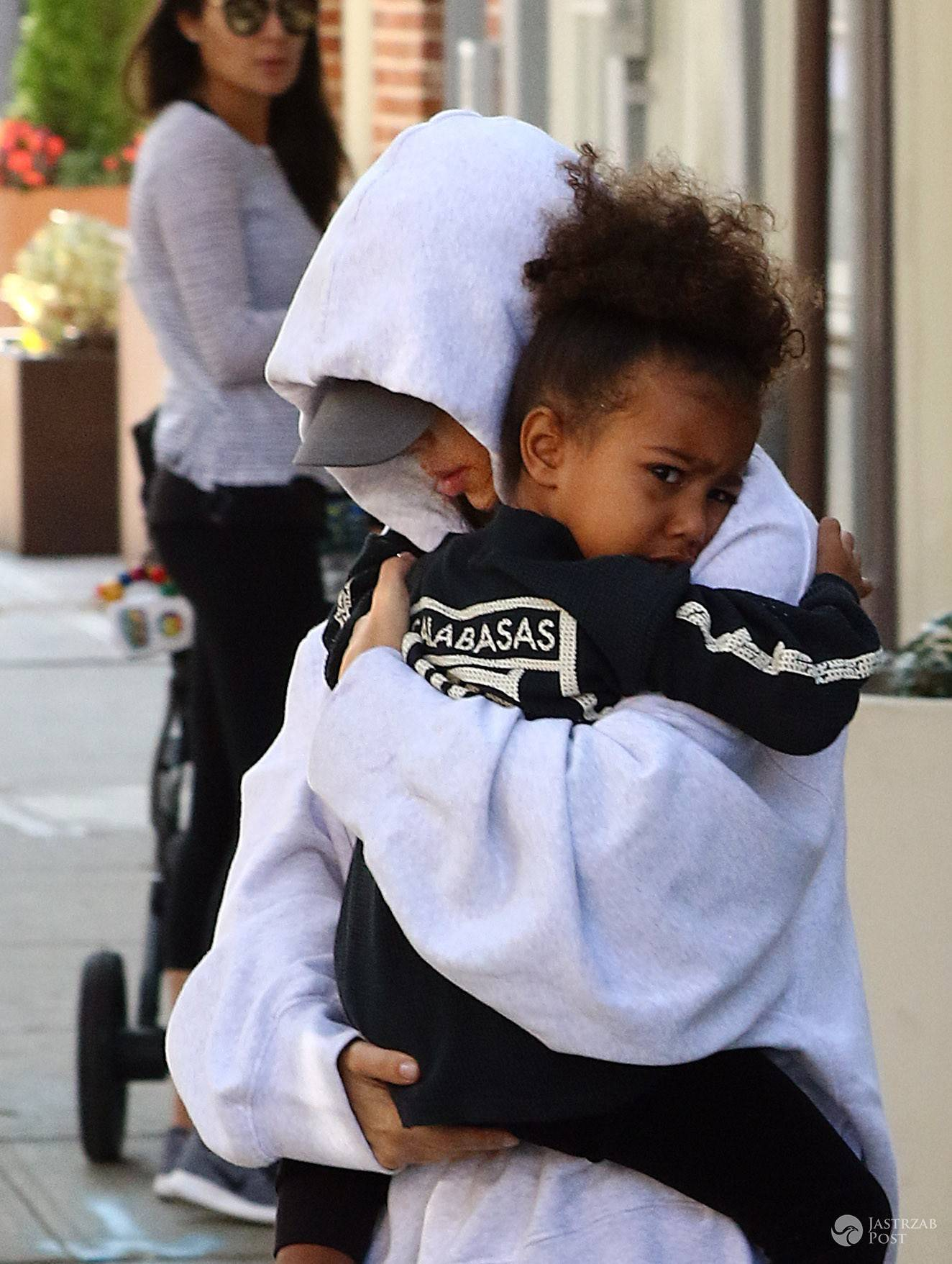 ..October 6 2016, New York City..Kim Kardashian carries her daughter North West as she leaves her downtown Manhttan apartment on October 6 2016 in New York City..