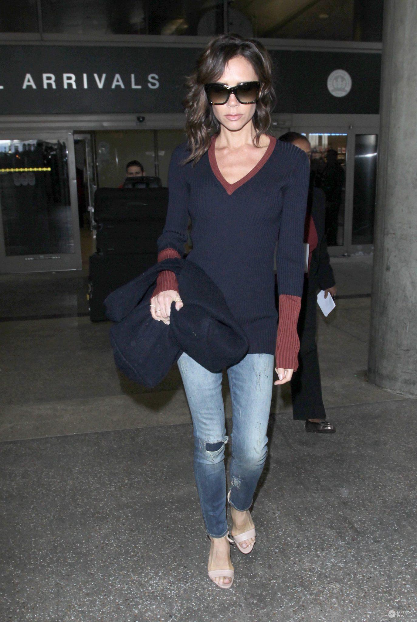 Victoria Beckham na lotnisku w Los Angeles