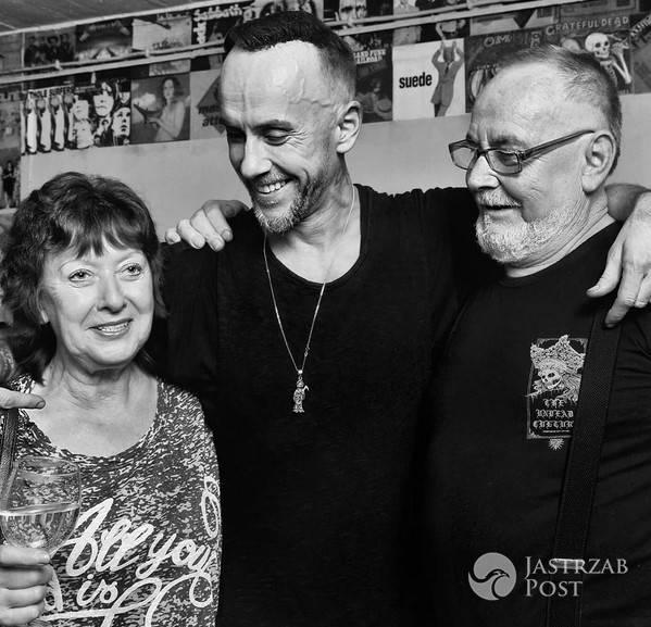 Adam Nergal Darski z rodzicami Instagram