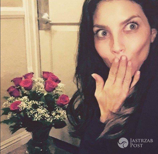 Weronika Rosati dostała od ukochanego kosz czerwonych róż