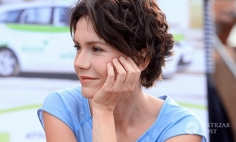 Olga Bołądź w krótkich włosach