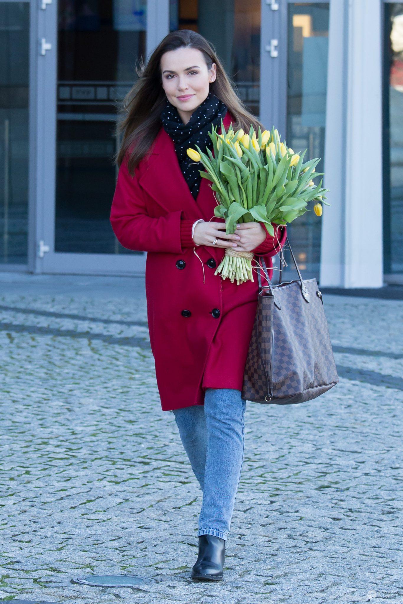 9c6e08cb9c9b9 Marta Żmuda-Trzebiatowska z torebką Louis Vuitton