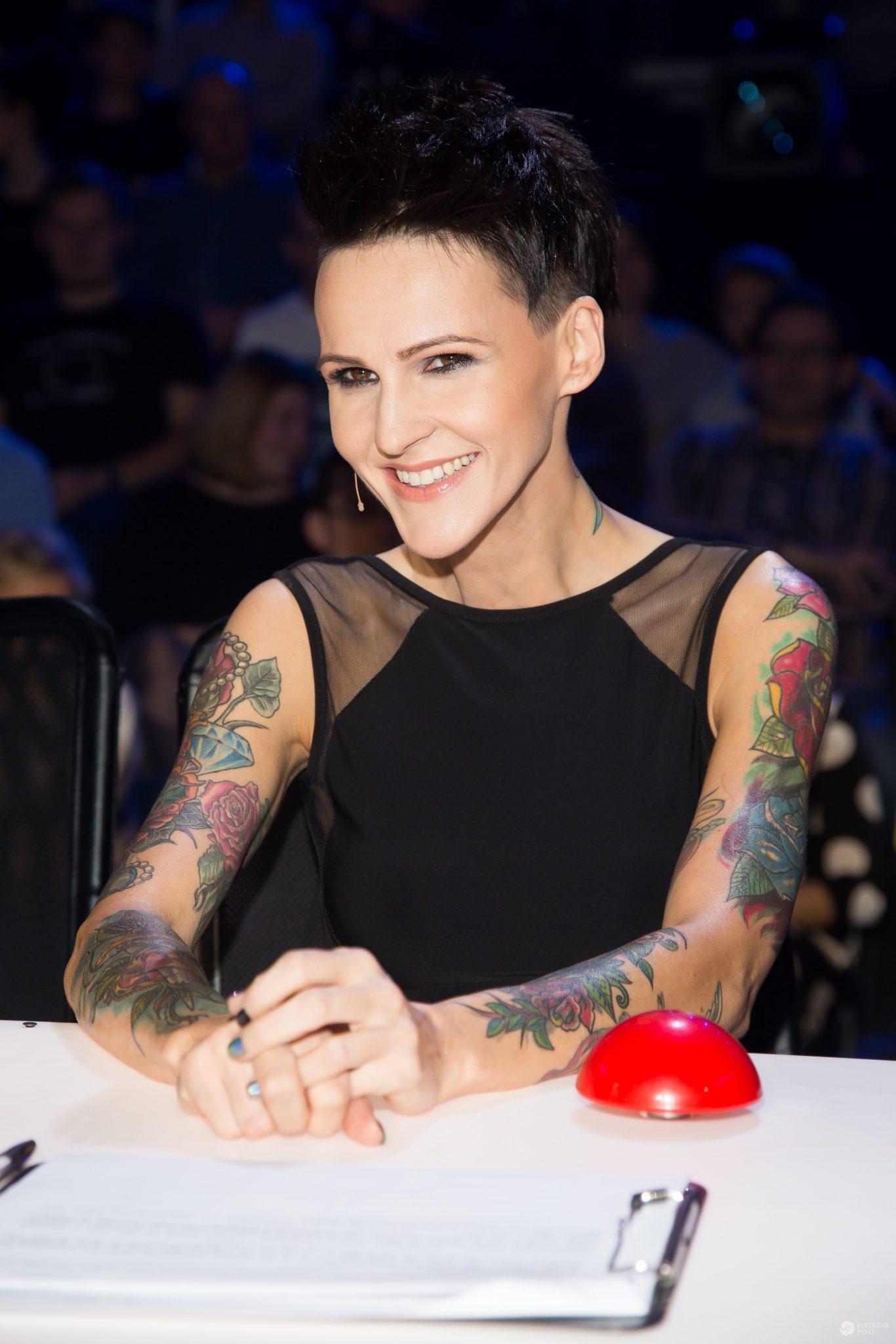 Agnieszka Chylińska w czarnej sukience