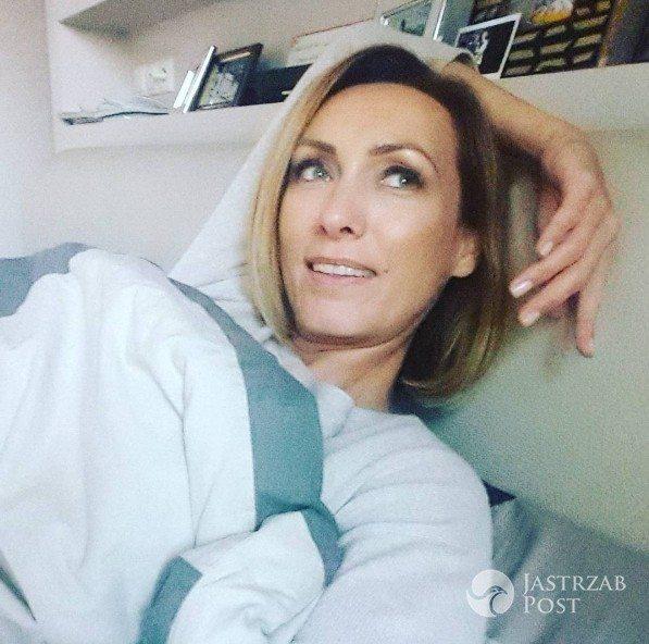 Anna Kalczyńska w łóżku