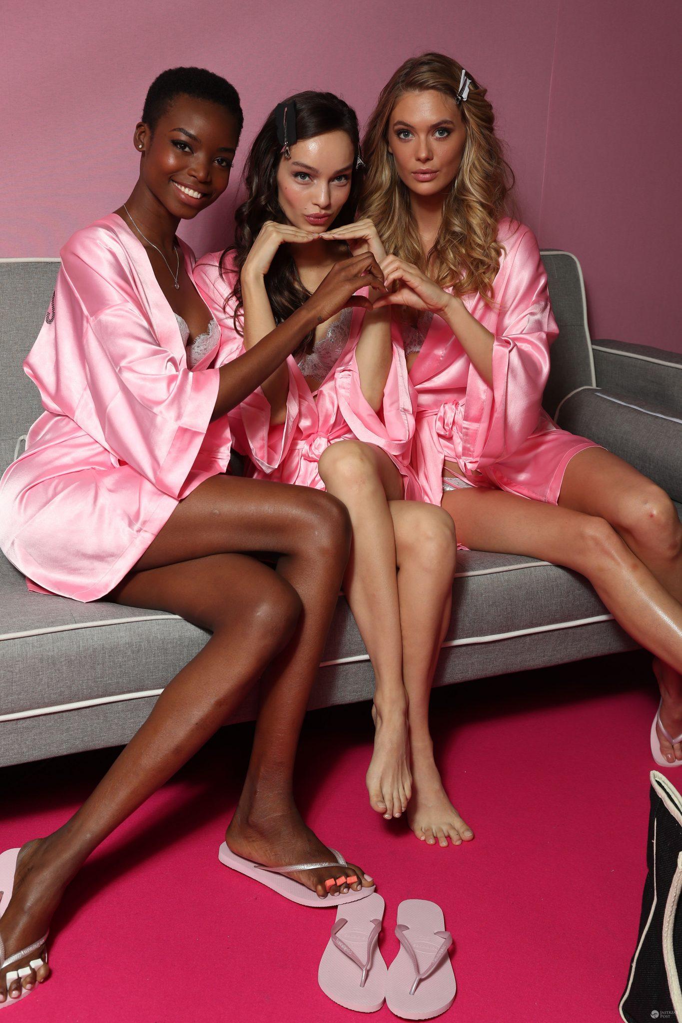 Maria Borges, Luma Grothe i Megan Williams - pokaz Victoria's Secret 2016