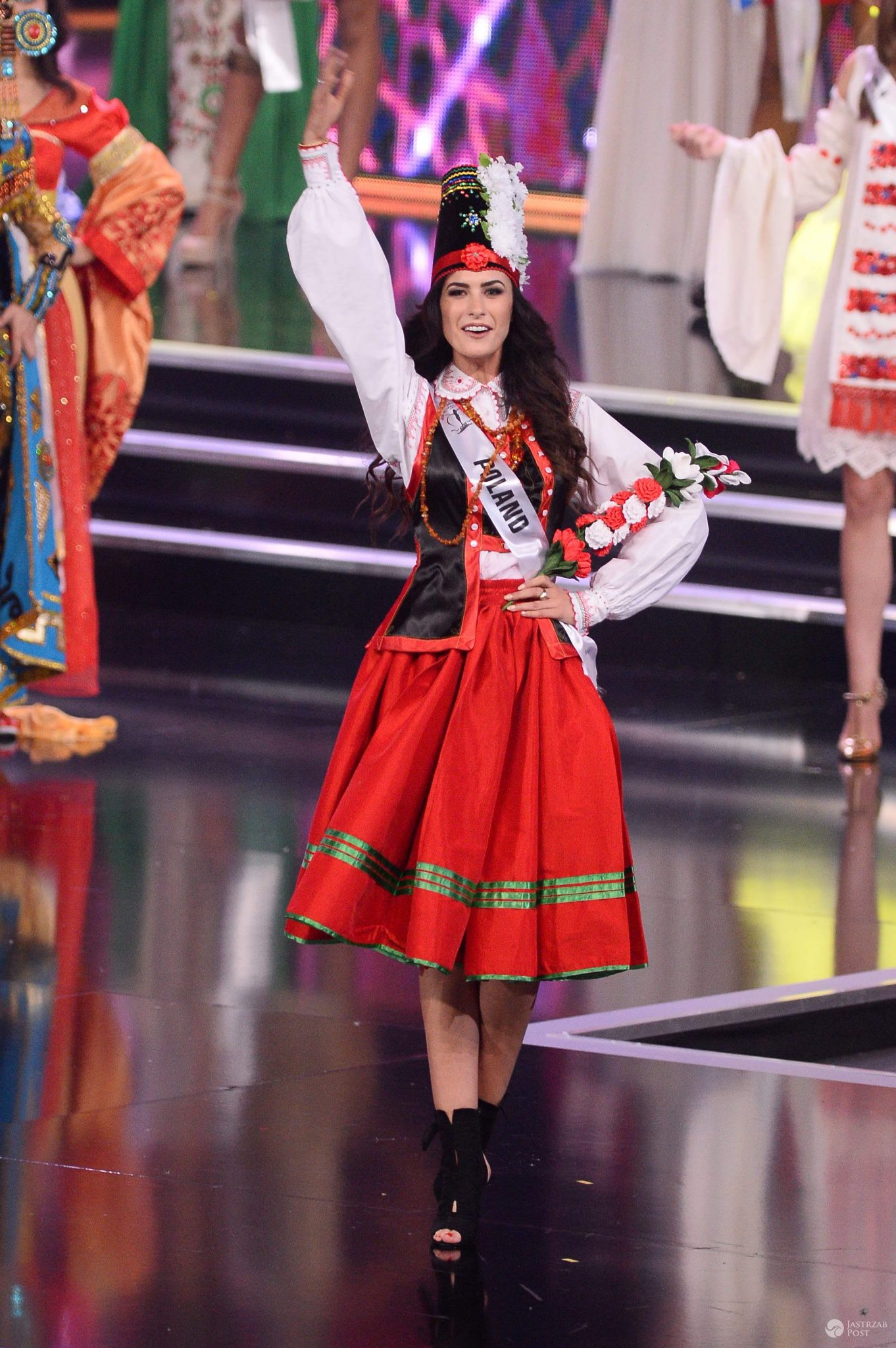 Ewa Mielnicka w stroju narodowym - Miss Supranational 2016