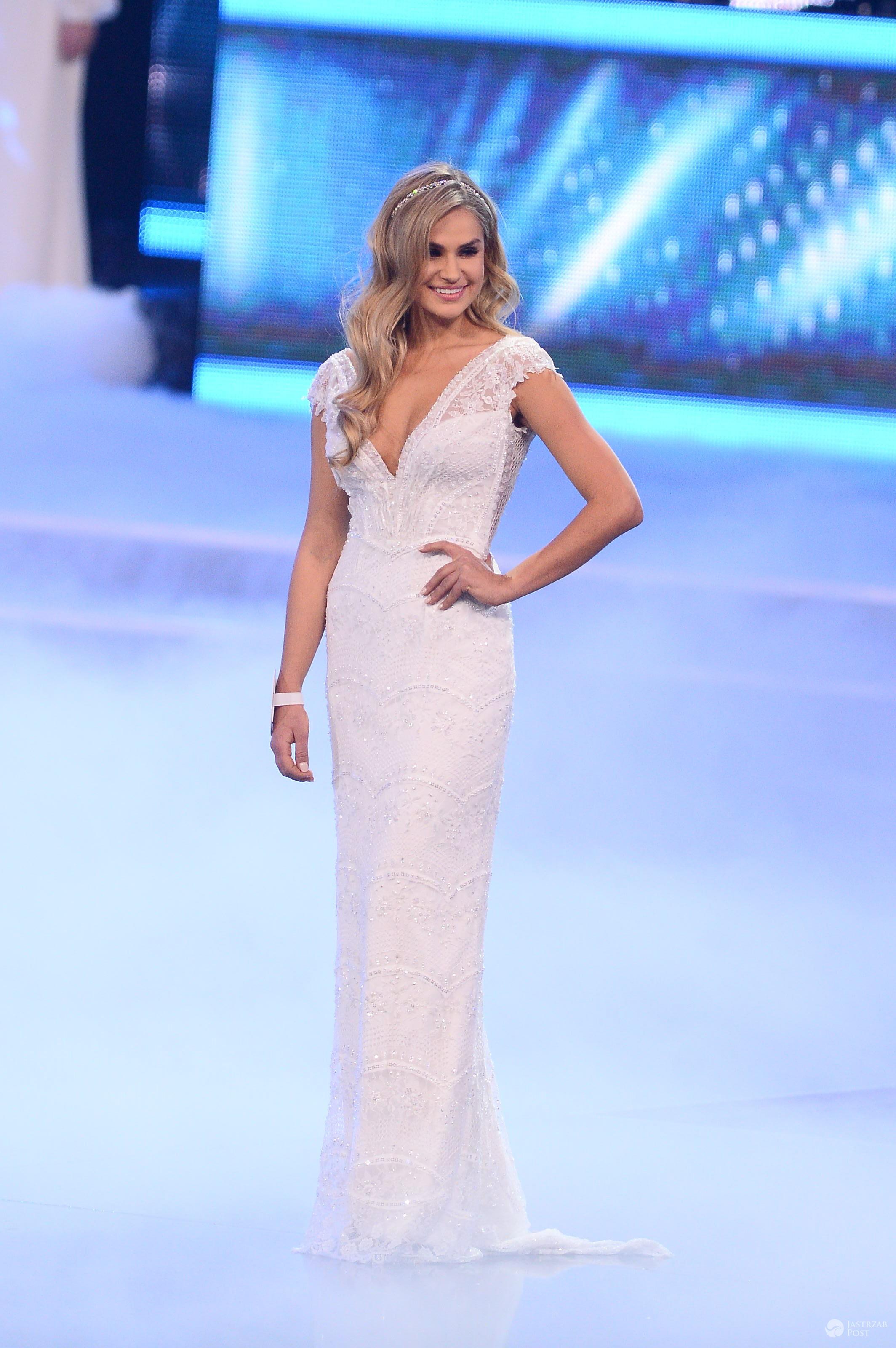 Laura Mancewicz w sukni ślubnej Violi Piekut na Miss Polski 2016