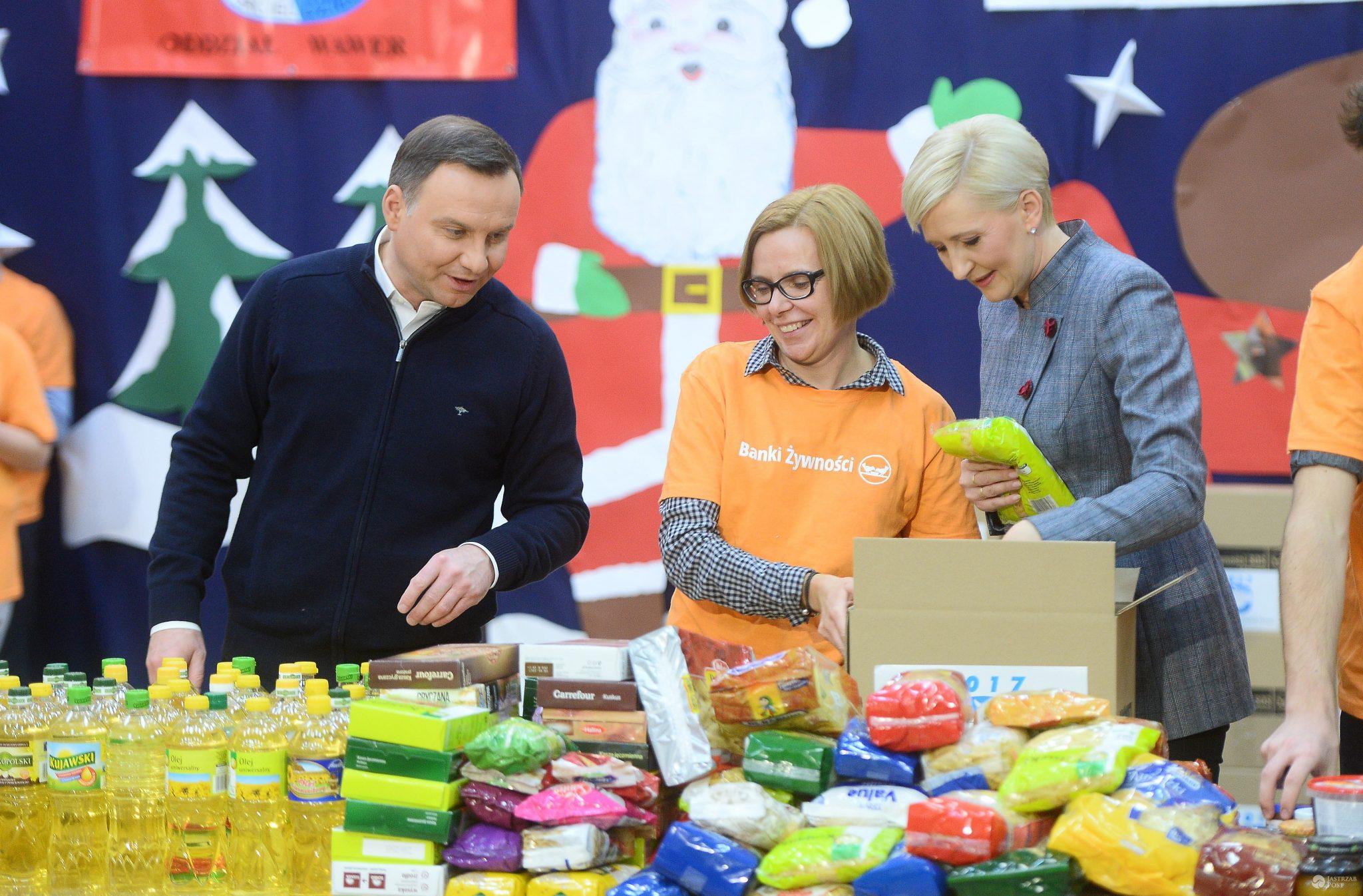 Andrzej Duda i Agata Duda - świąteczna zbiórka żywności
