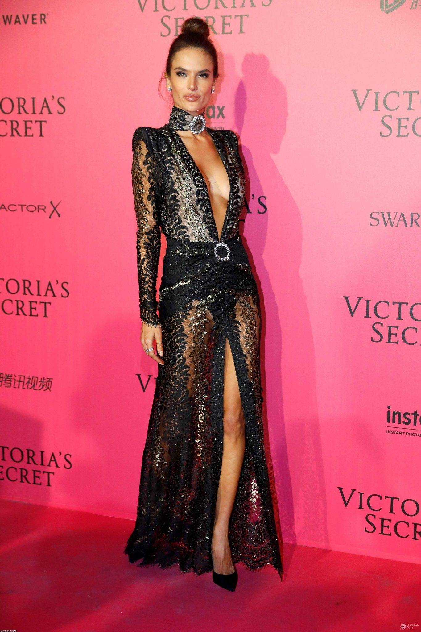 Alessandra Ambrosio - afterparty po pokazie Victoria's Secret 2016