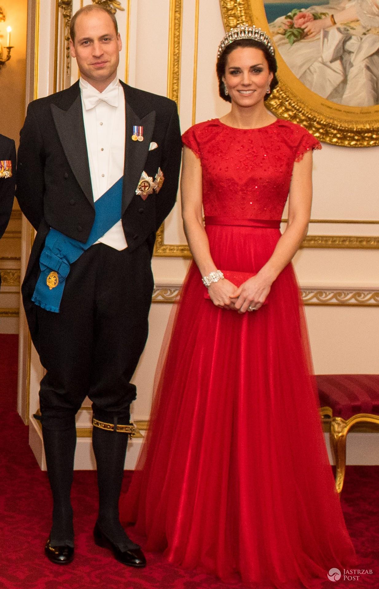 Księżna Kate i Książę William na przedświątecznej kolacji dyplomatycznej w Pałacu Buckingham