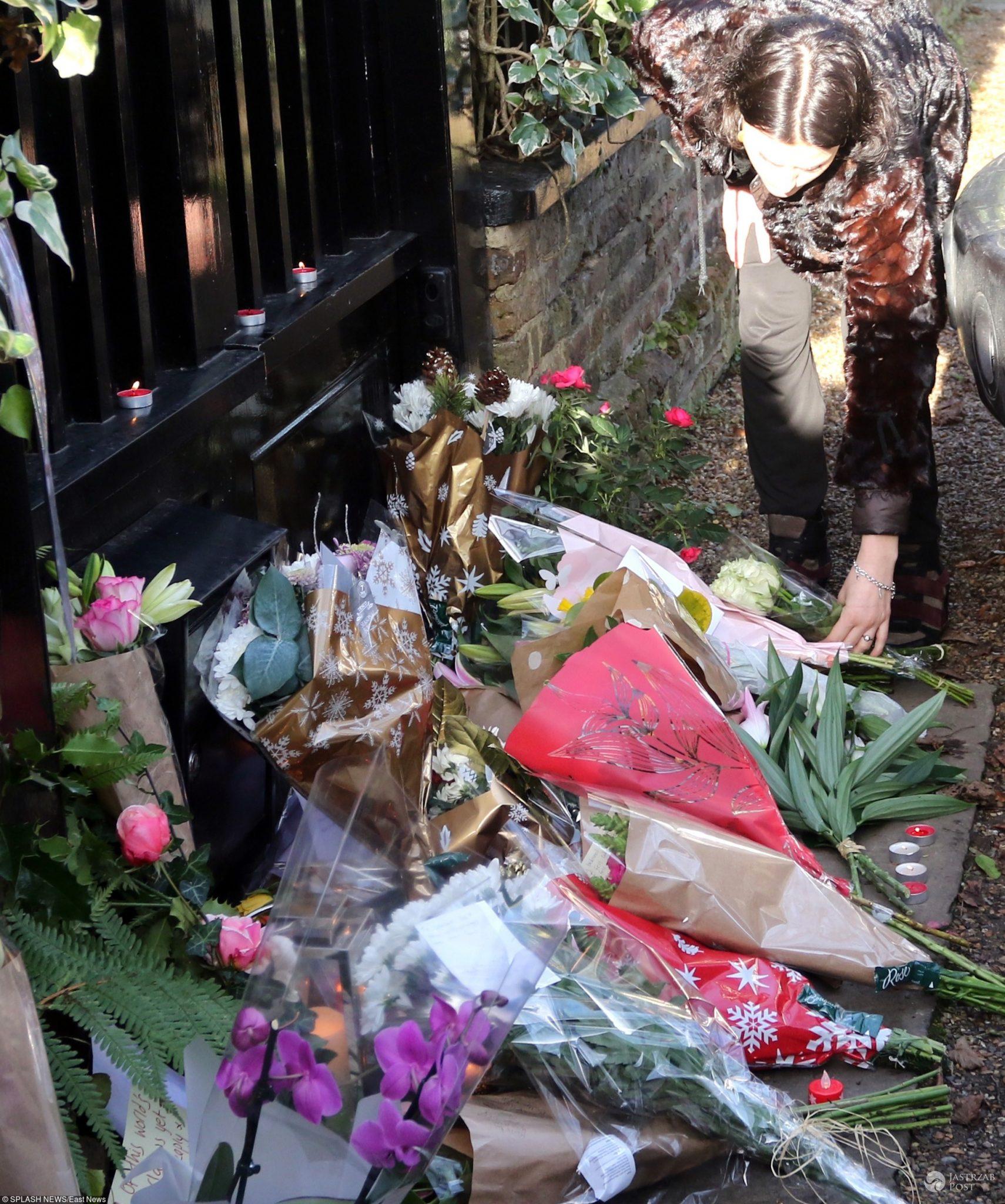 Kwiaty przed domem George'a Michaela w Oxfordshire
