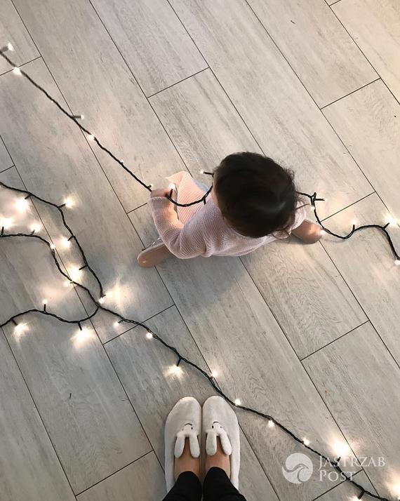 Zosia Ślotała ubierała choinkę z córką - Instagram