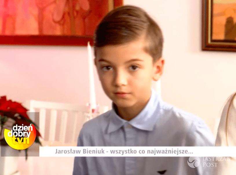 Jarosław Bieniuk o samotnym wychowywaniu dzieci po śmierci Anny Przybylskiej